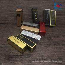 caja de lápiz labial de laminación dorada y plateada con etiquetas privadas