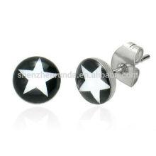 Großhandelsmänner zwei Paar-gesetzte schwarze u. Weiße Stern-Entwurfs-Bolzen-Ohrringe
