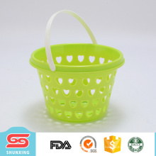 Cesta de fruta plástica circular portátil do agregado familiar mini com projeto oco