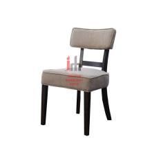 Chaise coussinée en tissu