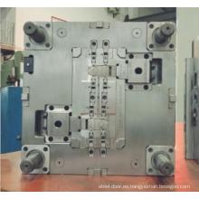 Montaje de molde de inyección de plástico