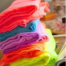 Hohe Torsion gesponnen aus Polyester Voile Stoff für Schal und Kleid mit weichem Handfeel verwendet