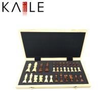 Jogo de tabuleiro de madeira Magnetic Fold Chess Set
