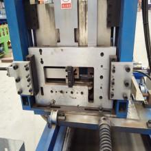 Rouleau de z-purlin de haute précision formant la machine