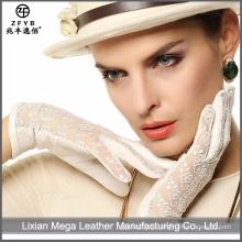 2016 Heißer Verkaufs-weiblicher reizvoller lederner Handschuh mit Spitze