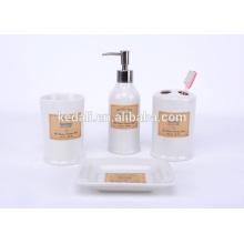 Hot Style 2015 Ensemble d'accessoires de salle de bain en porcelaine durable en gros