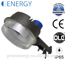 Eficiência elevada do CE DLC ETL UL CE 30w 50w 70w 100w do diodo emissor de luz do CE jarda claro do celeiro da luz do celeiro do alvorecer ao alvorecer luz da fotocélula