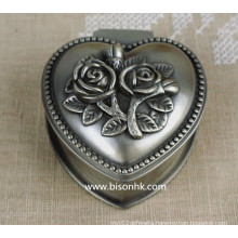 Hot Selling Wholesale Classical Zinc Alloy Metal Antique Silver Engraved Elegant Rosees Wedding Ring Box