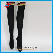 2015 neue Art Damen warme Polyester Schenkel hohe Strumpf Socken Großhandel