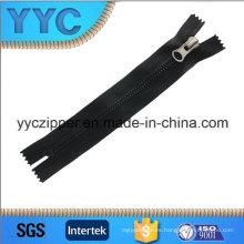 5 # Closed End Dientes de Maíz Plastic Zipper with Black Color