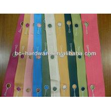 Bande de velcro à rideau adhésif, toutes sortes de couleurs de bande de rideau, bande de rideau de taille de trou de 16 mm