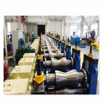 Machine de formage de rouleaux de ponceau à plaque de poutre en W ondulé
