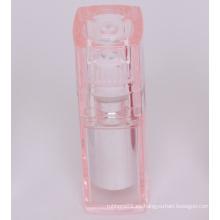 Botellas cosméticas de plástico transparente.