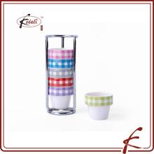 6 piezas establecen la taza de huevo durable de la porcelana del patrón de la etiqueta con el sostenedor del hierro