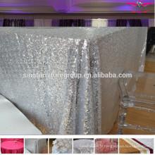 Robe de mariée ronde et carrée à paillettes
