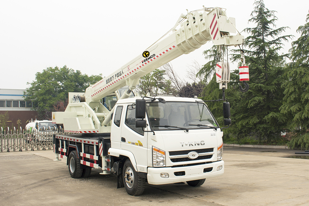8t All-terrain Truck with Crane