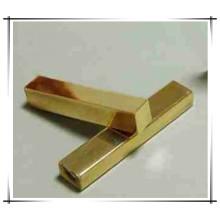 Une barre de cuivre peu coûteuse peut être personnalisée
