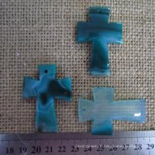 Pendentif en croix en agate bleue bleue, pendentif en croix de pierres précieuses