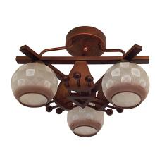 Lámpara de techo de madera con iluminación moderna