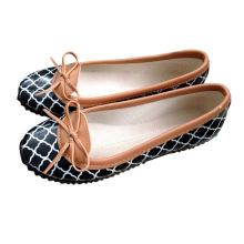 Модная обувь для отдыха для женщин