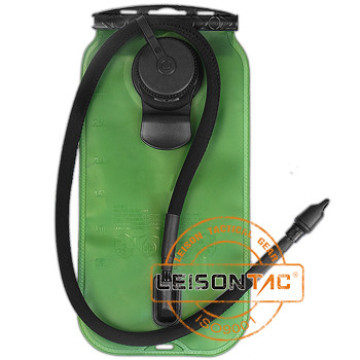 El bolso táctico de la hidración adopta el material superior de TPU con el acceso tornillo-Abajo accesorio enorme para llenar