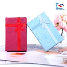 Las cajas llenas al por mayor de la joyería llenada algodón manchan la caja de cartón personalizada UV del regalo de la impresión del logotipo