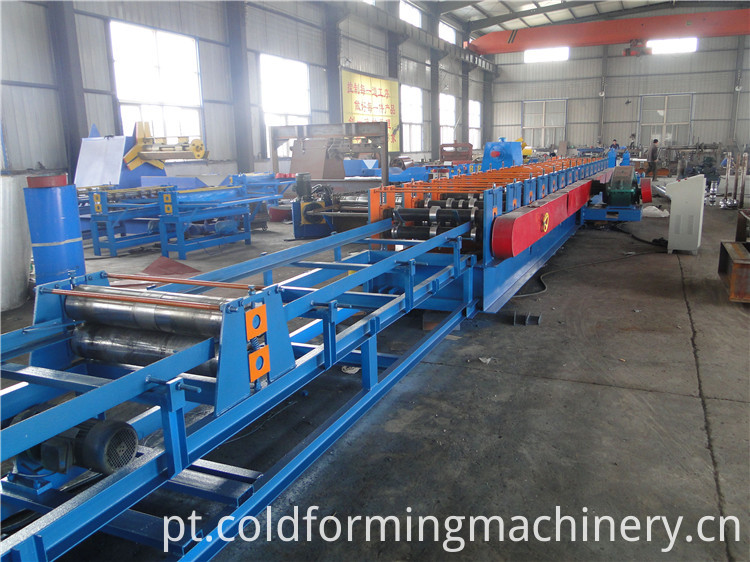 feedinng system for highway roll forming machine