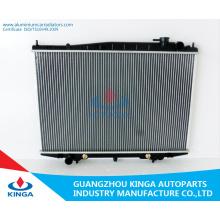 Hoher leistungsfähiger abkühlender Kühler für Nissan Bd22/Td27 at