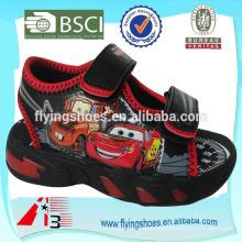 China atacado sandálias miúdo PU rosto brinquedo cartoon impressão