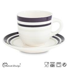 Taza y platillo de cerámica de 8oz con un diseño simple y elegante