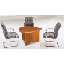 Table de conférence triangulaire de luxe en mélamine pour salle de réunion