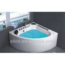 Новая массажная ванна с угловым устройством