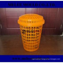 Molde sujo plástico da cesta de pano