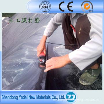 Surface lisse et couvertures de géomembrane de HDPE extérieur texturisé de surface pour des décharges