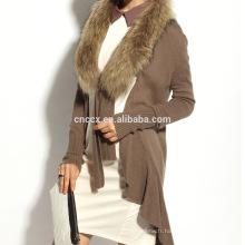 16STC8094 cardigan long en laine cachemire tricoté avec col en fourrure