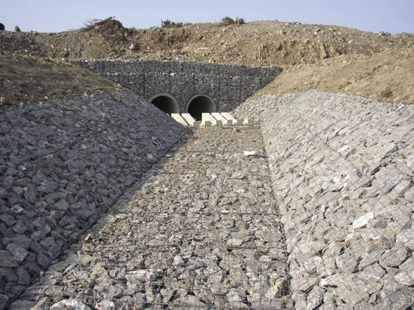 welded gabion channel lining