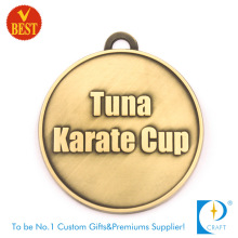 Alta qualidade personalizada barato die casting 2D design karate medalha com latão