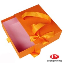 Sliding Drawer Packaging Box dengan kantong kertas