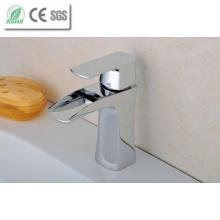 Robinet d'eau de cuvette de laiton haute cascade Qaulity (Q210D)