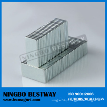 3 / 8''x1 / 8''x1 / 16 '' N45 NdFeB Ímãs de bloco com revestimento de Ni