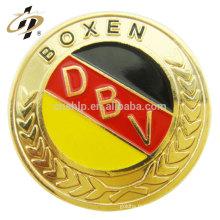 Gros pas cher conception personnalisée forme ronde die cut badge en métal doré plaqué or