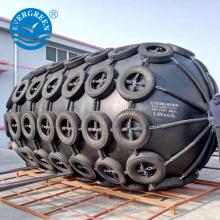 Guardabarros de goma neumático submarino para atraque de buques