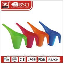 regador colorido, produtos plásticos, utilidades domésticas de plástico