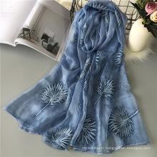 Hot vente hijab écharpe femmes couleur unie broderie écharpe conçoit organza bulle écharpe en mousseline de soie plaine