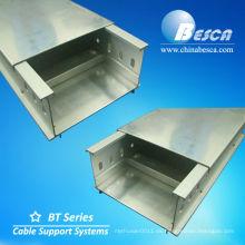 Canal de aluminio perforado Trunking con divisor