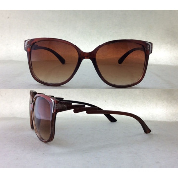 2015 Fashionable Ladies Plastic Sunglasses with Metal Decoration P25027b