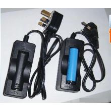 Chargeur câblé standard britannique pour batterie 18650/14500