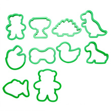 plastic animal cookie cutter set