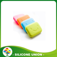 2017 Novelty silicone smiling face key bag