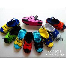 Chaussures de jardin d'enfants, sabots d'EVA d'enfants, pantoufles de plage décontractées pour des enfants